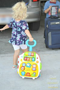 {giveaway} VTech Roll & Learn Suitcase