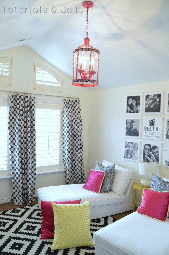 tween hangout room