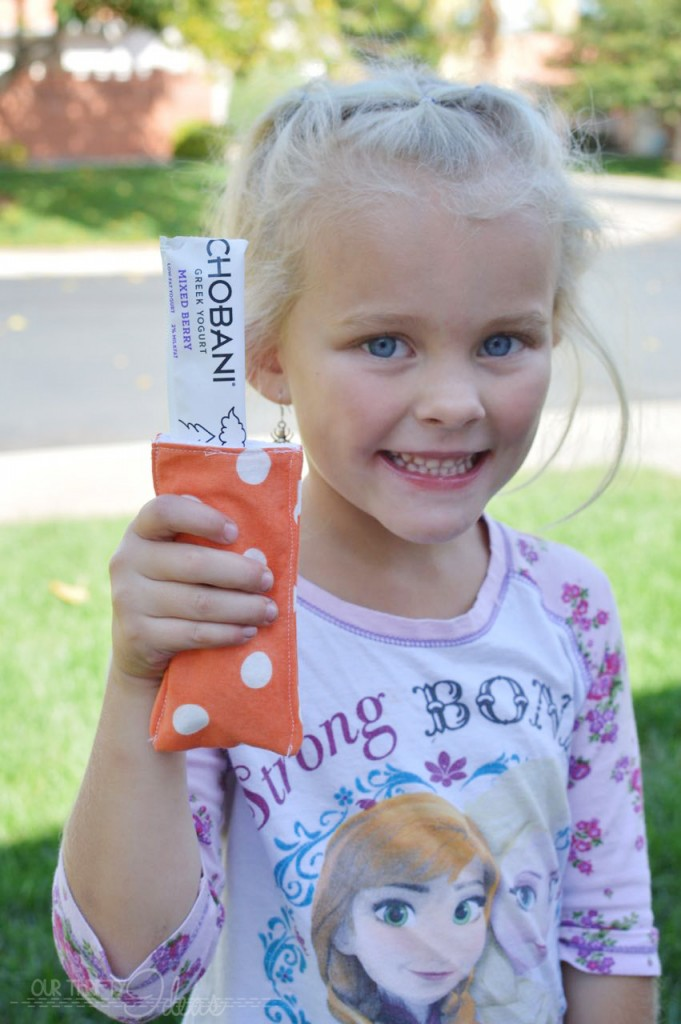 DIY popsicle sleeve to keep your kids' hands warm while eating a frozen treat.
