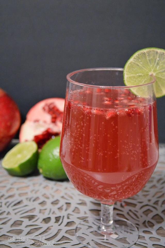 Sparkling Pomegranate Limeade Drink