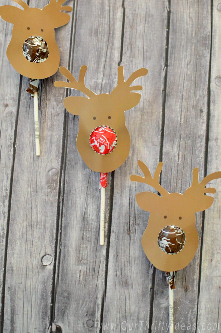 the cutest way for Kids to give a cheap and festive gift to their friends for Christmas! The reindeer head is a free download too!