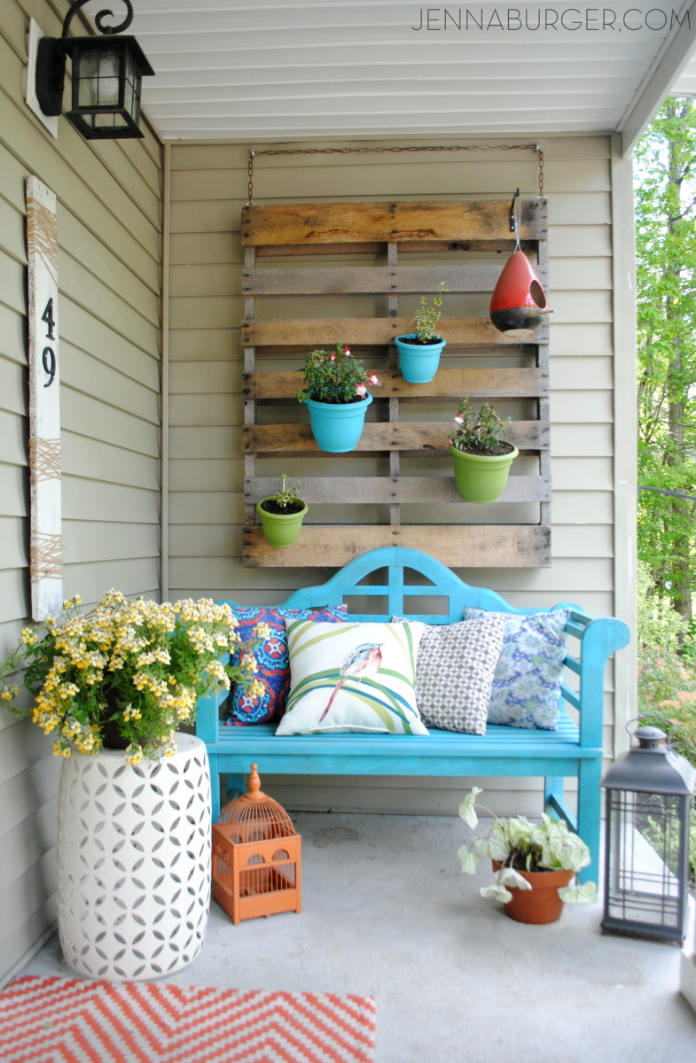Hanging Pots on Pallet