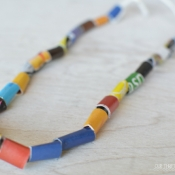 FREE kids crafts - DIY Kids necklace