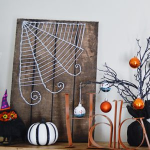 Halloween String Art – Faux Wood Sign Tutorial